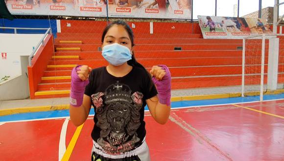 La deportista Melissa Huamán Estrada se sumó a los talleres de muay thai que organizaba la Municipalidad de Pachacámac en el Gran Coliseo Cerrado Paul Poblet Lind y a través de Zoom. (Foto: Municipalidad de Pachacámac)