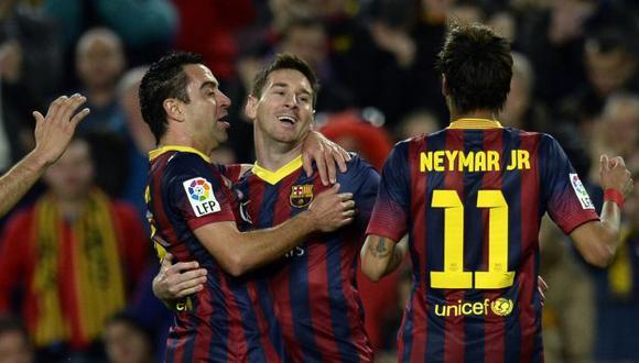 Barcelona ganó 4-1 a Almería y le pisa los talones al Real Madrid. (AFP)