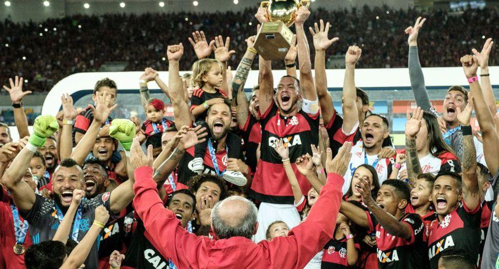 Flamengo celebró su primer título del año tras la victoria sobre Fluminense en la final del Torneo Carioca 2017. (AFP)