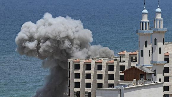 Foto referencial. Israel ha atacado, por tierra y aire, un total de 766 objetivos en Gaza desde el inicio de la escalada el pasado lunes. (AFP)