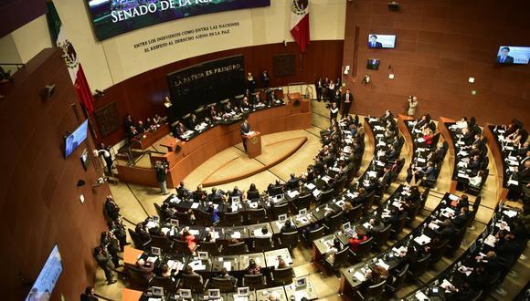 Con 89 votos a favor y 23 en contra, la Cámara Alta ratificó la reforma constitucional, que ya fue aprobada en septiembre por la Cámara de Diputados y que ahora tiene que ser validada por la mayoría de los 32 Congresos estatales del país. (Foto: Pedro PARDO / AFP)