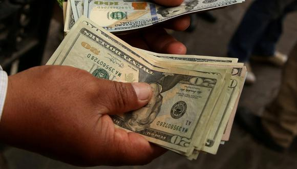 El dólar cerró a la baja en el país. (Foto: GEC)
