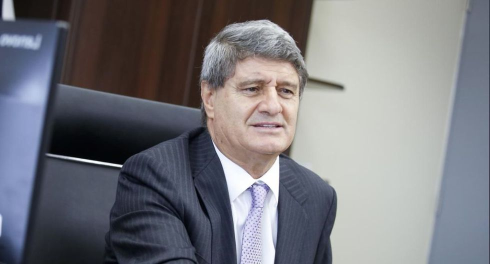 """""""(La bancada de Acción Popular respondería) a Fernando Belaunde"""", dice Raúl Diez Canseco. (GEC)"""