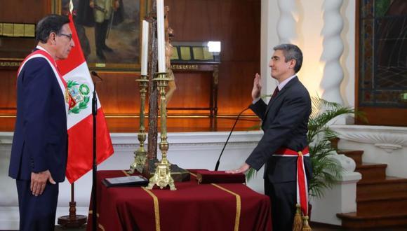 Alejandro Neyra juramentó como nuevo ministro de Cultura. (Foto: Presidencia)