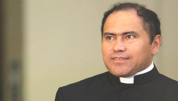 ¿DÓNDE ESTÁ? Nadie da información sobre el paradero del obispo Guillermo Abanto. (Difusión)