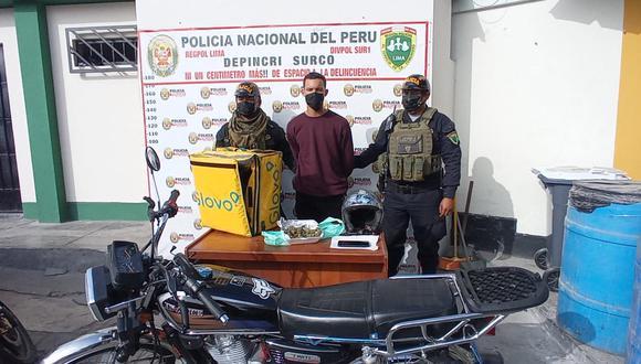 Agentes del Grupo Terna detuvieron a un falso repartidor de delivery que llevaba marihuana.