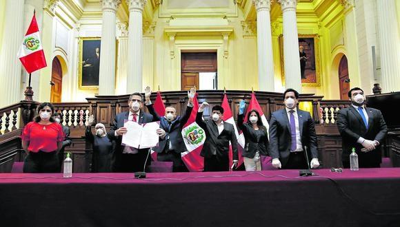 LIMA, JUEVES 30 DE ABRIL DEL 2020Conferencia de Prensa de la Mesa Directiva del Congreso encabezada por su presidente, Manuel Merino De Lama Donde firman el documento que aprueba el retiro del 25% de las afpFotos: Anthony Niño de Guzman \ GEC