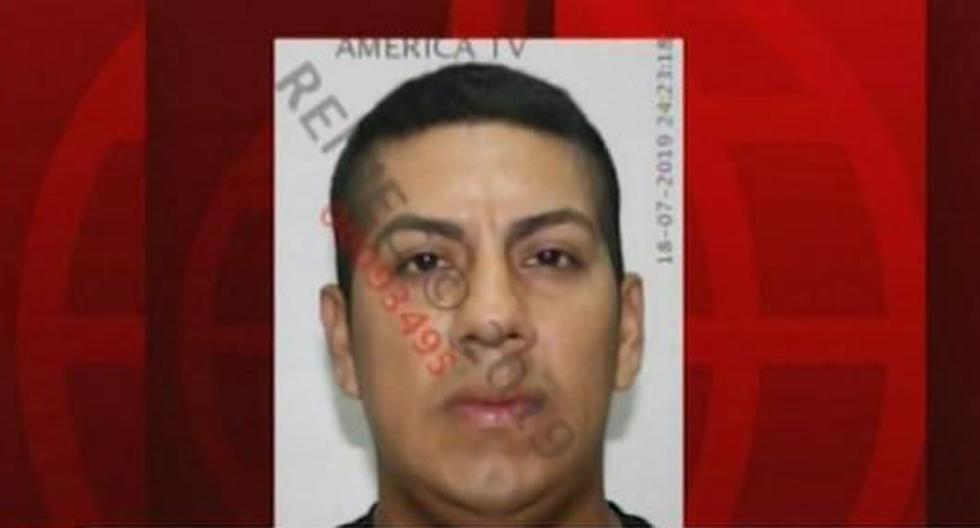 El suboficial de tercera PNP, Ángelo Manuel La Torre Aguilar, involucrado en el secuestro presta servicio en la División de Turismo de la institución. (América Noticias)