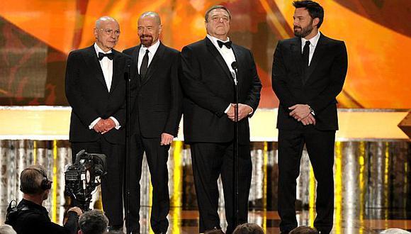El elenco de Argo recibe premio. (AP)