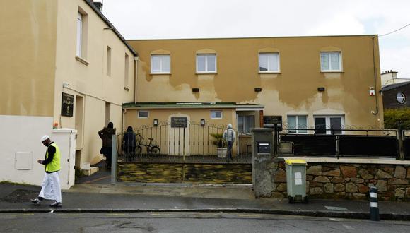 La sección antiterrorista de la Fiscalía de París está evaluando si se trata de un acto terrorista. (Foto: AFP)