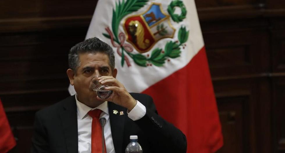 """Manuel Merino: """"Lamento que Martín Vizcarra siga atacando al Congreso dentro del laberinto en el que se encuentra"""""""