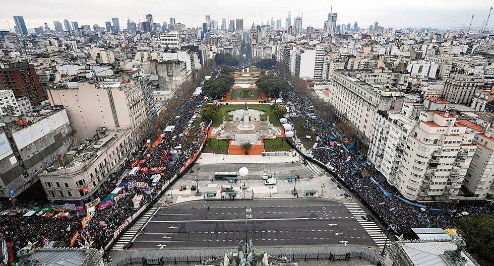 Sigue EL RECLAMO. Las manifestaciones sociales a favor y en contra del aborto continúan en las calles. (USI)