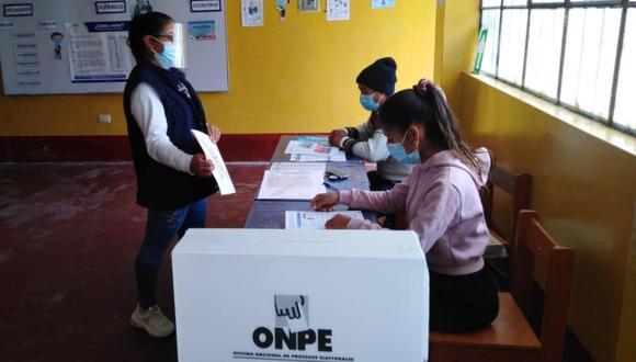 Expertos analizan la jornada electoral. (Foto: ONPE)