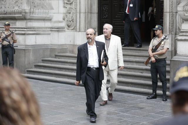 Mauricio Mulder (Apra) y Víctor A. García Belaunde (Acción Popular) también acudieron a Palacio para la declaración de PPK ante la Comisión Lava Jato. (Foto: GEC)