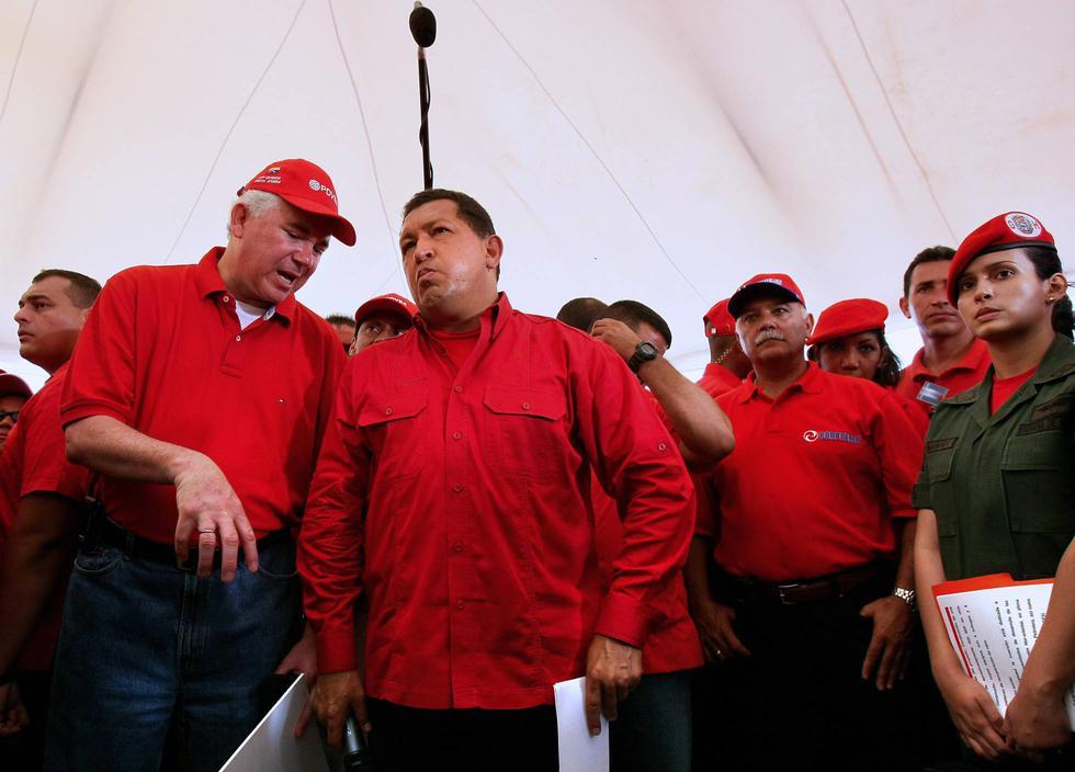 Nervis Villalobos fue viceministro de Energía de Venezuela con Hugo Chávez. (AFP)