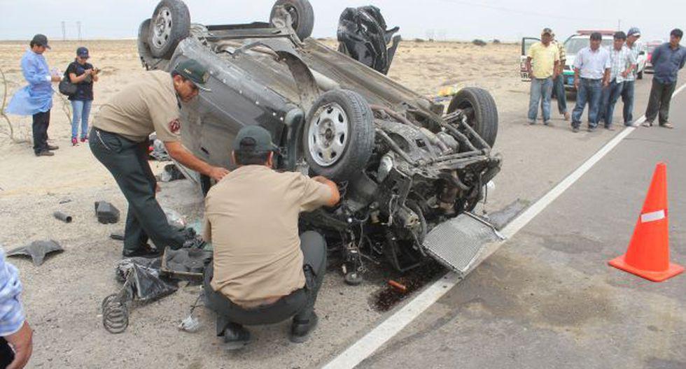 La Policía y el Ministerio Público investigan las causas del accidente que dejó dos muertos. (USI/Referencial)