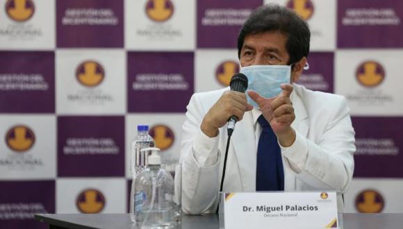 """""""No comparte el Colegio Médico las expresiones (de Jesús Valverde)"""", dijo el Dr. Miguel Palacios, decano del Colegio Médico."""