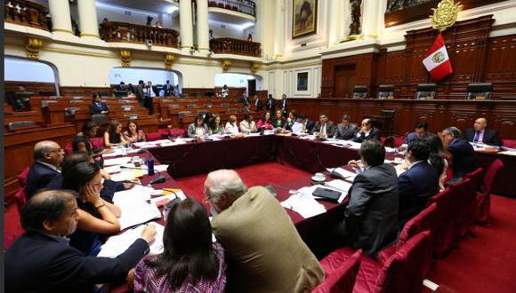 Comisión Permanente inició debate de polémico proyecto de Mauricio Mulder (Parlamento)