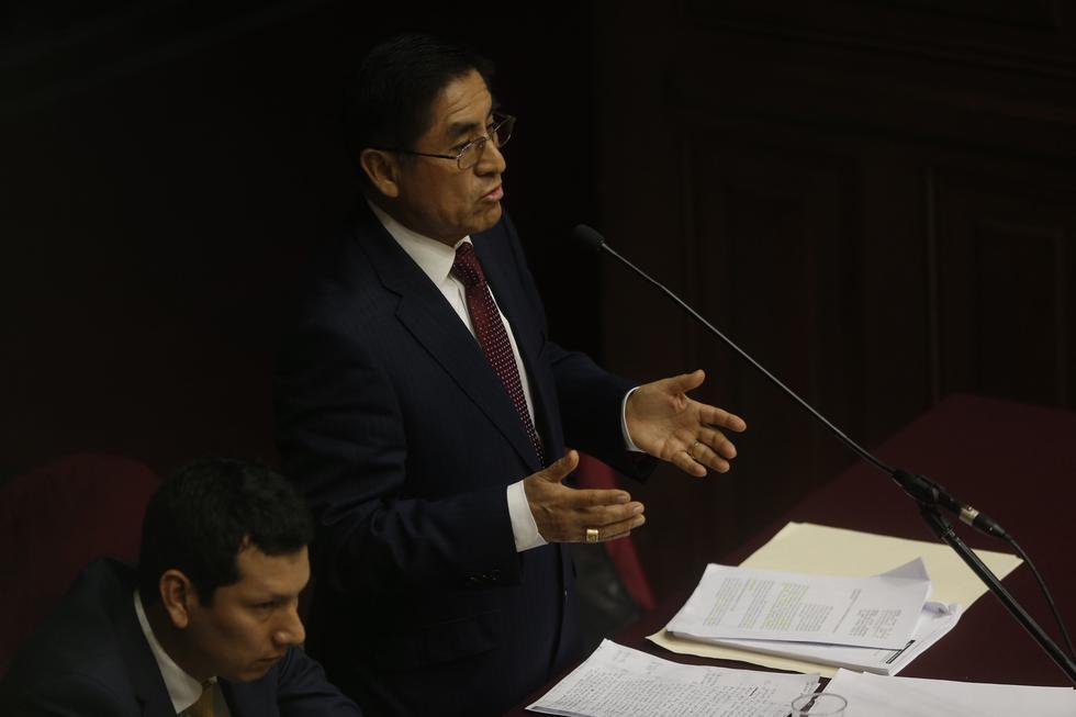 César Hinostroza (Mario Zapata)