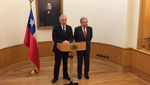 Embajador de Perú se reunió con canciller de Chile tras impasse por espionaje. (@HeraldoMunoz en Twitter)