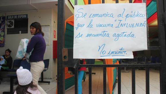 """En el Hospital Regional de Trujillo se pide """"no insistir"""" por vacunas. (Nancy Dueñas)"""