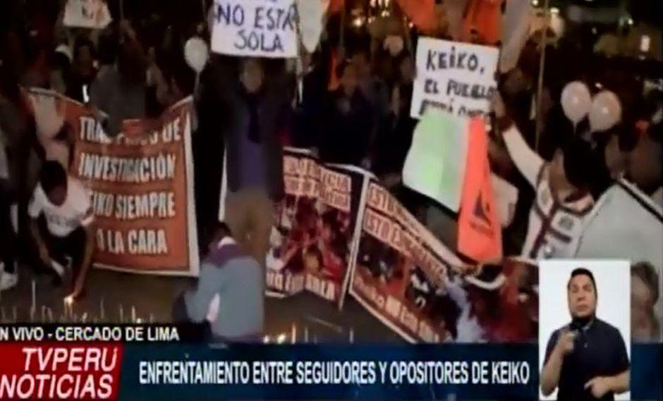 El enfrentamiento ocurrió en los exteriores de la Prefectura de Lima. (TV Perú)