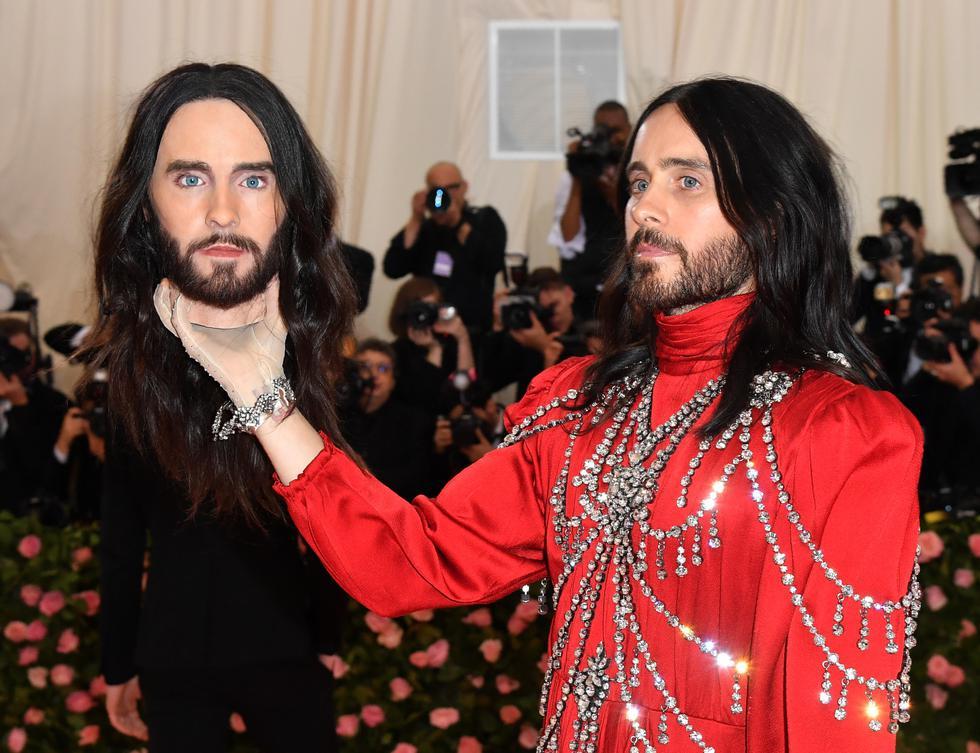 El conocido actor sorprendió a todos los presentes en la versión 2019 de los MET Gala. (Foto: AFP)
