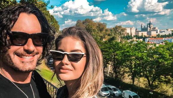 Mario Cimarro le ha pedido matrimonio a su joven novia. La pareja se muestra feliz y disfrutando del amor a través de las redes sociales (Foto: Instagram)