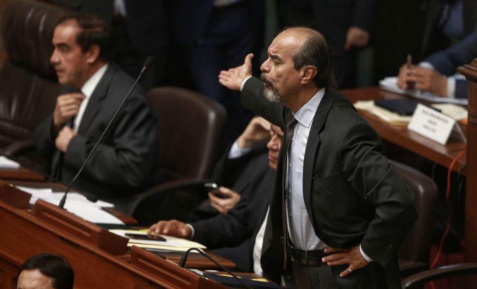 Yonhy Lescano y Mauricio Mulder protagonizaron un intercambio de insultos, gritos y acusaciones en el Congreso. (Captura/Canal N)