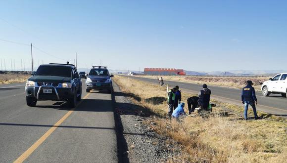 Puno: hasta el lugar del accidente llegaron los policías y el fiscal de turno, quienes realizaron las diligencias. (Foto: GEC)