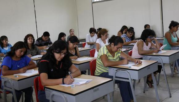 Ningún maestro de Tumbes salió aprobado en el último examen. (Perú21)