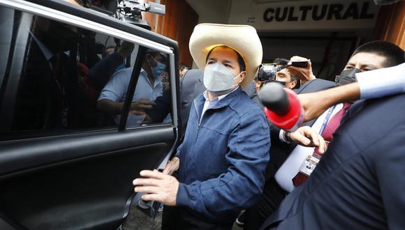 Pedro Castillo se reúne en Breña con miembros de su equipo de gobierno. (@photo.gec)