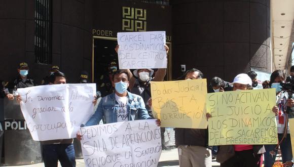 Protesta. Ciudadanos están en contra de decisión de jueza.