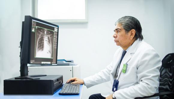 Servimóvil, cuenta con más de 26 años de experiencia en el sector salud, especialista en atención domiciliaria del adulto mayor o pacientes con enfermedades degenerativas.