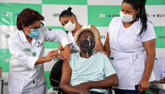 Brasil sobrepasó este jueves los 10 millones de casos de coronavirus. (Foto: NELSON ALMEIDA / AFP)