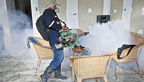Urgen más fumigadores en Piura. (USI)
