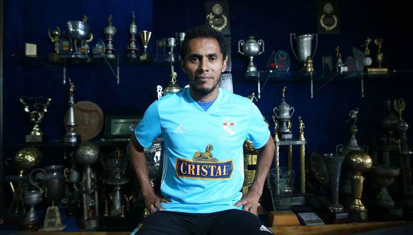 El saludo de Carlos Lobatón a Sporting Cristal. (Foto: GEC)
