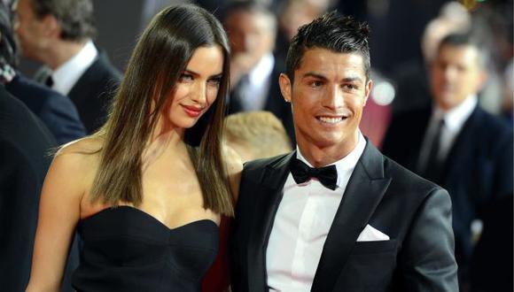 Irina Shayk dejó mal parado a Cristiano Ronaldo al alabar a Bradley Cooper. (AP)