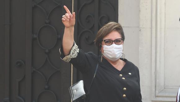 Rosario Sasieta, ministra de la Mujer, se retira de Palacio de Gobierno luego de haber jurado al cargo. (Foto: Alessandro Currarino / GEC)