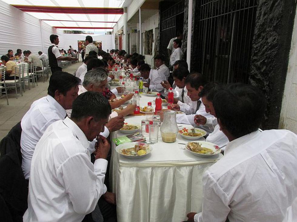 Más de 2,000 personas degustaron al almuerzo de los siete potajes. (Jhonny Obregón)