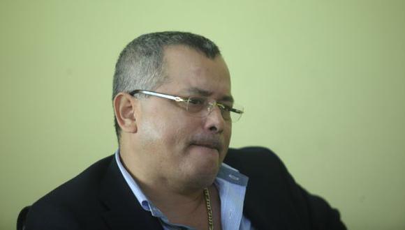 Colegio de Abogados reorganizará su Centro de Arbitraje tras presunta infiltración de Roberto Orellana. (Perú21)