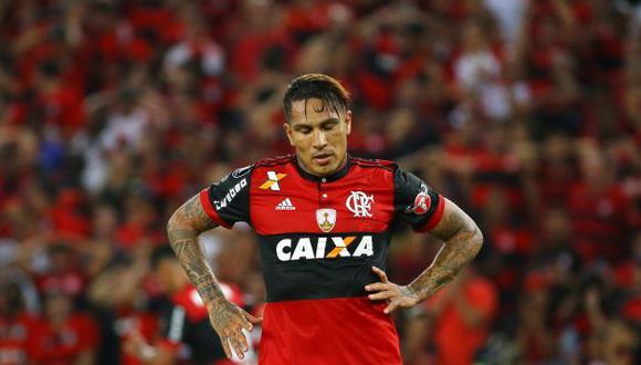 Flamengo, de Paolo Guerrero y Miguel Trauco, dejó pasar una oportunidad para acercarse al líder del Brasileirao: Corinthians. (REUTERS)
