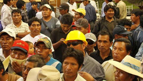 """""""Estamos trabajando en una nueva ley que permita insertarlos en la economía"""", señaló el ministro Ísmodes. (Foto: GEC)"""