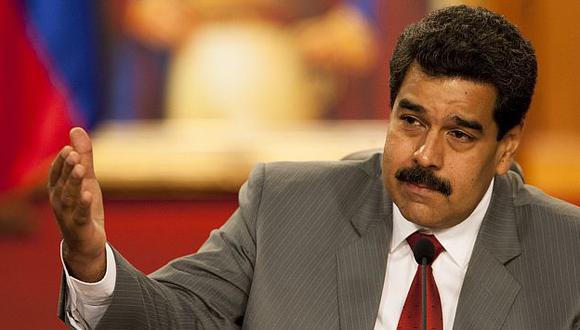 Nicolás Maduro amenaza a aerolíneas que reduzcan vuelos a Caracas. (EFE)