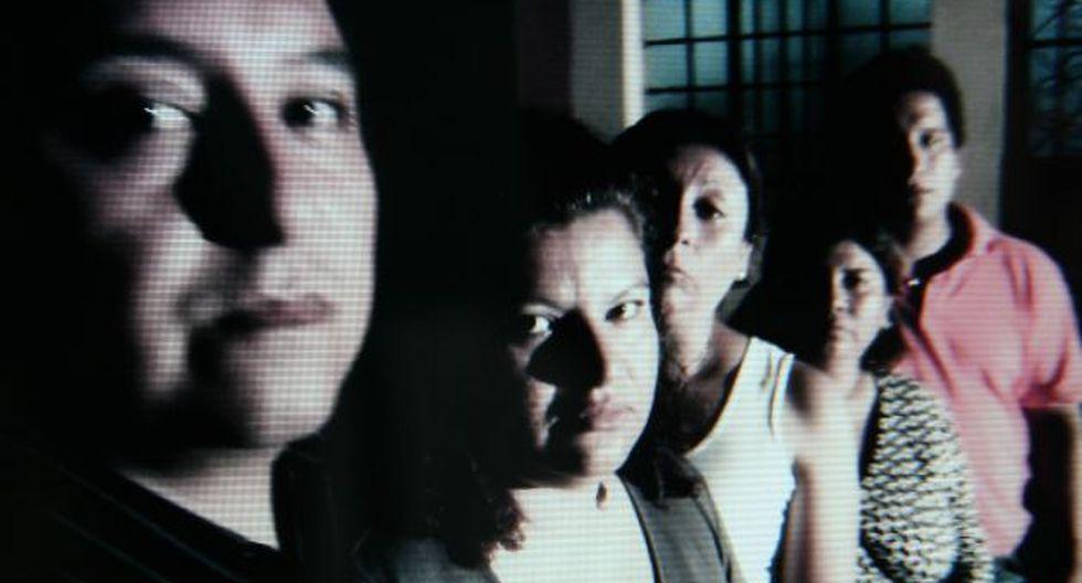 INDIGNADOS. Padres afirman que colegio encubre a docente. (Imagen de TV)