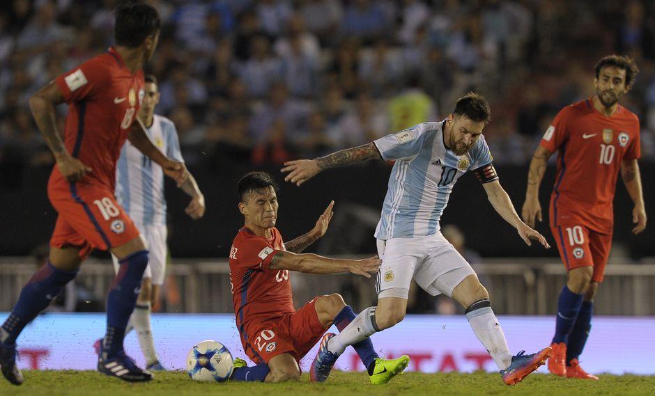 Argentina y Chile se verán nuevamente las caras en una Copa América. (Foto: AFP)