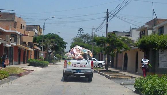 Vehículo de la Municipalidad de Surco recoge material reciclable. Foto: Francisco Huk.
