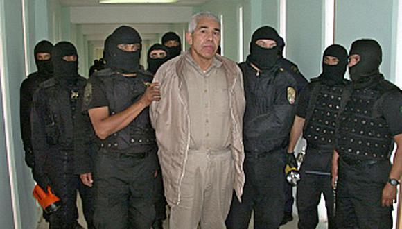 """Imagen de archivo del ex jefe del cártel mexicano de la droga, Rafael Caro Quintero, bajo custodia en la prisión """"Puente Grande"""" en Guadalajara el 29 de enero de 2005. (Foto: AFP)"""
