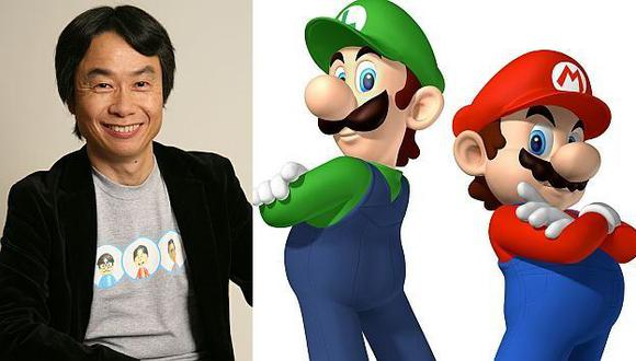 Shigeru Miyamoto y su 'hijo'. (Internet)