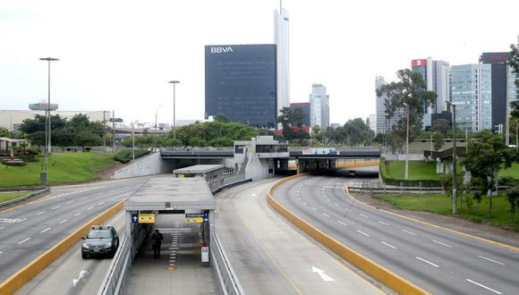 Vía Expresa de Paseo de la República permanece cerrada al tránsito vehicular,  por lo que los conductores autorizados deberán usar rutas alternas. (Foto: Lino Chipana Obregón / GEC)